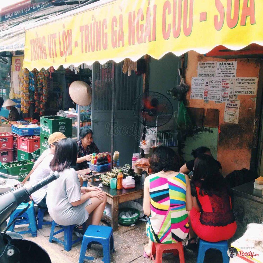Khu tập thể Nguyễn Công Trứ hàng ăn